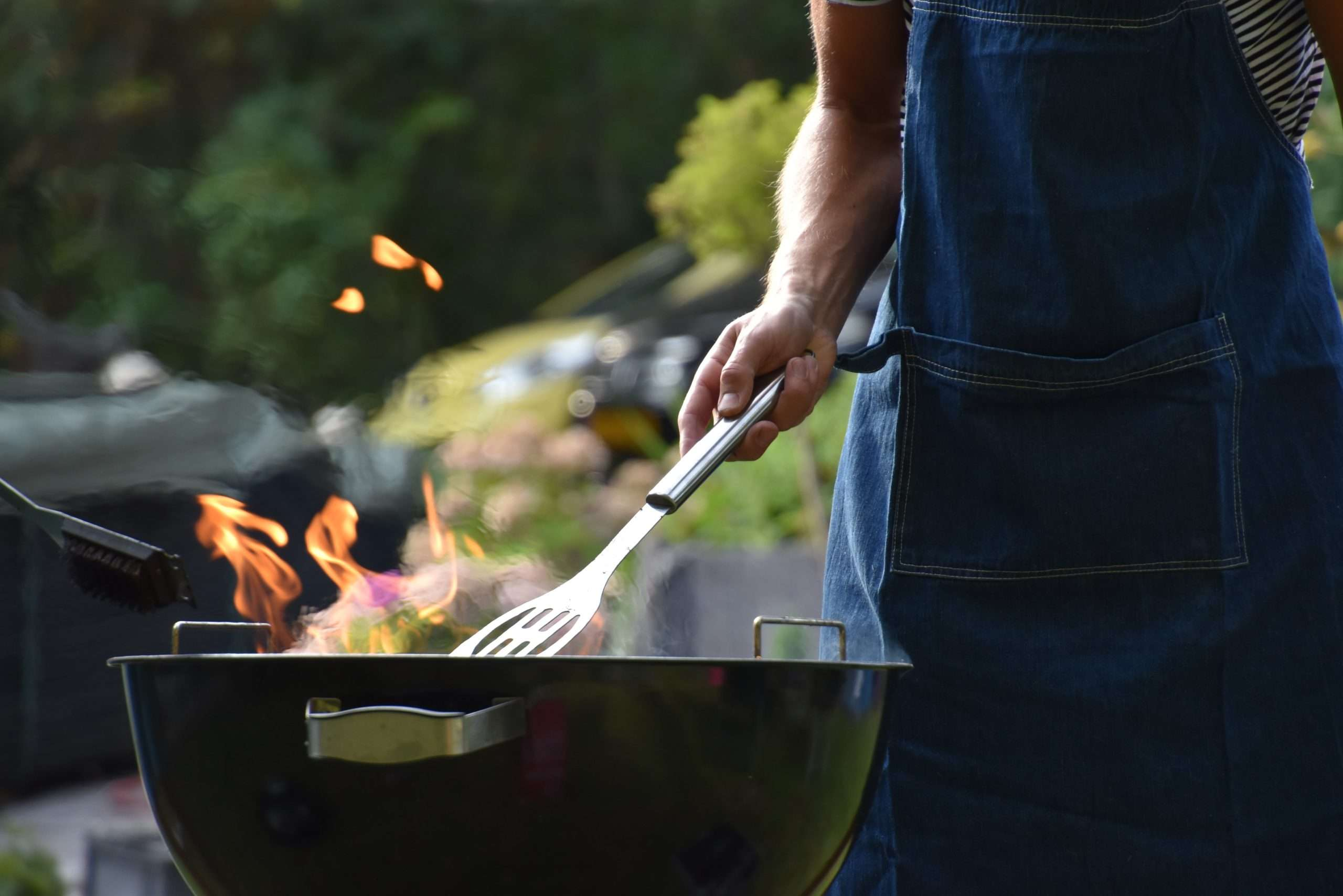 3 Ways to Clean a Charcoal Grill