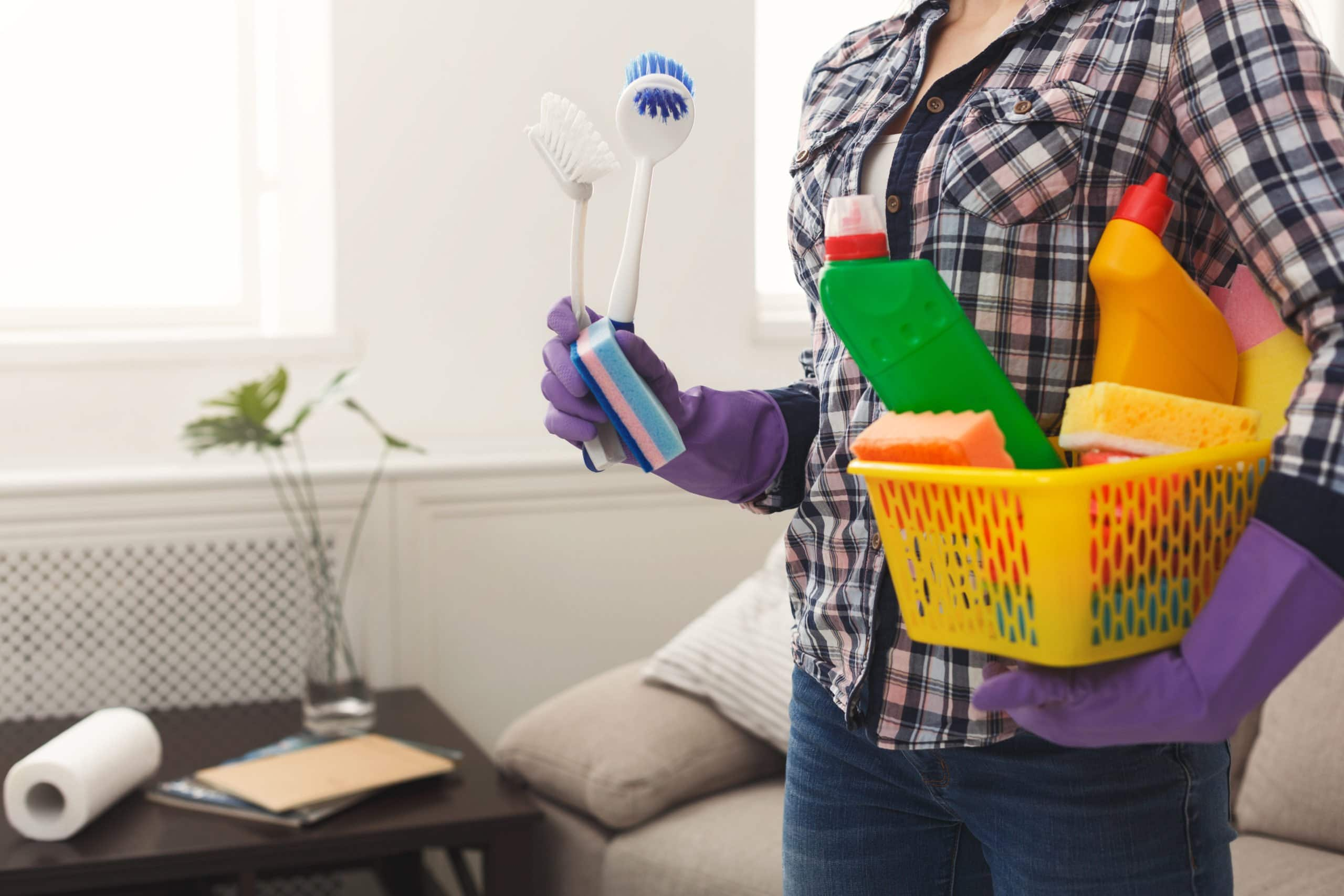 5 Cleaning Supplies to Always Keep on Hand