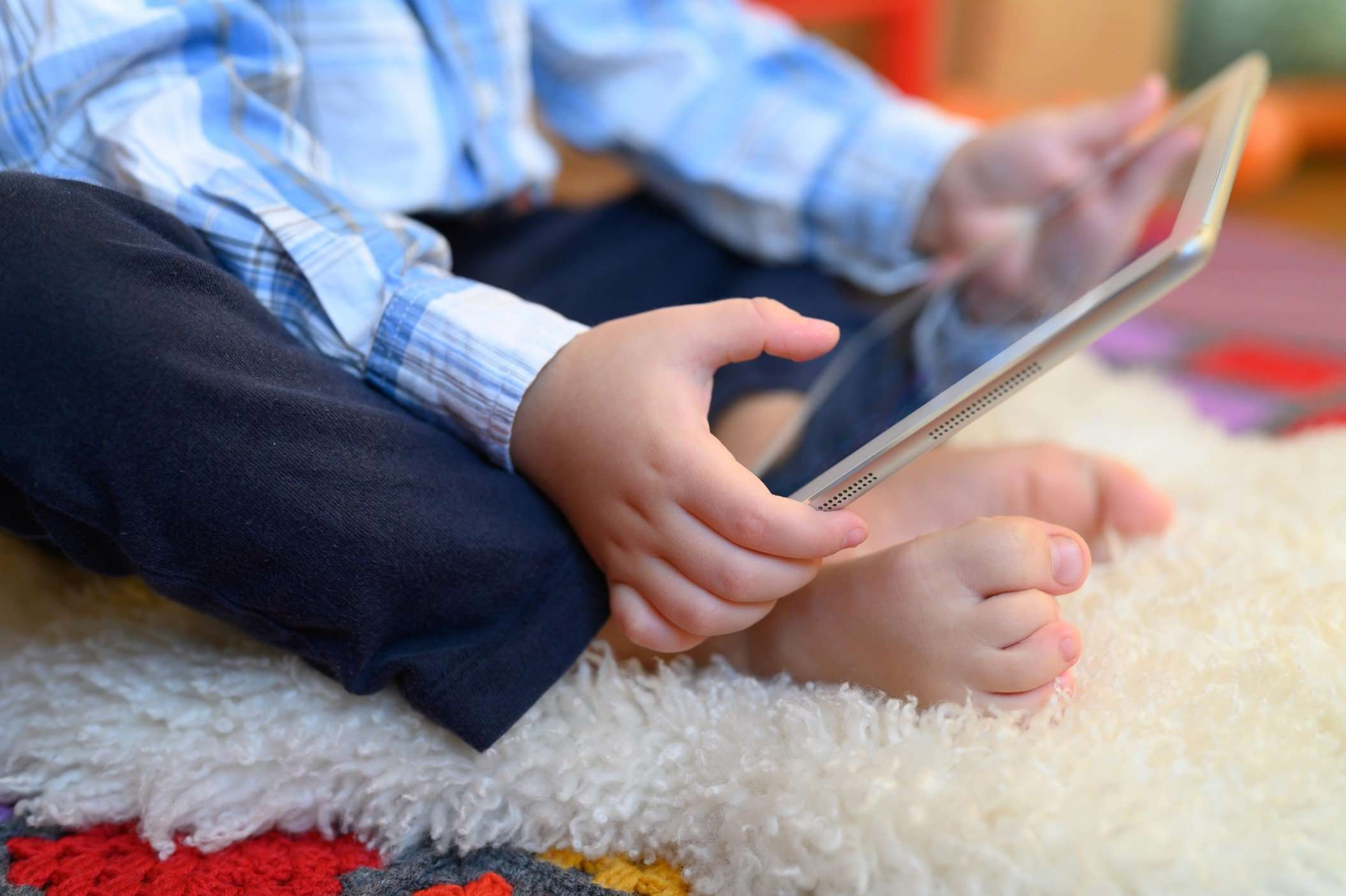 3 Ways to Keep Your Child Entertained and Away From Screens