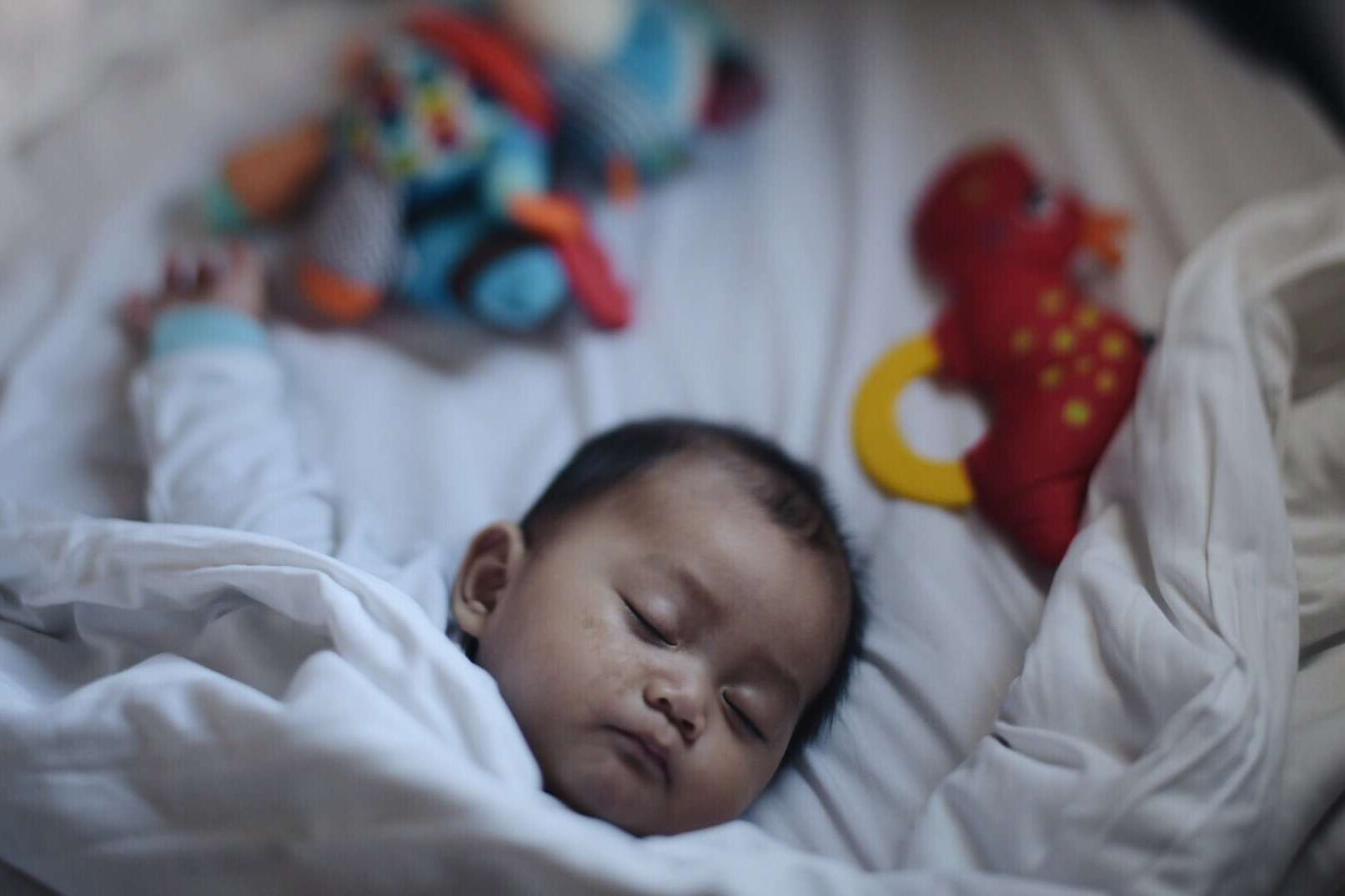 Does Bathing a Baby at Night Help Them Sleep Better